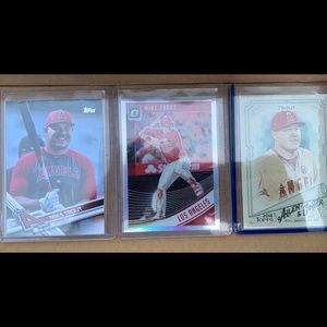 Mike Trout 3 card lot. SP variation.